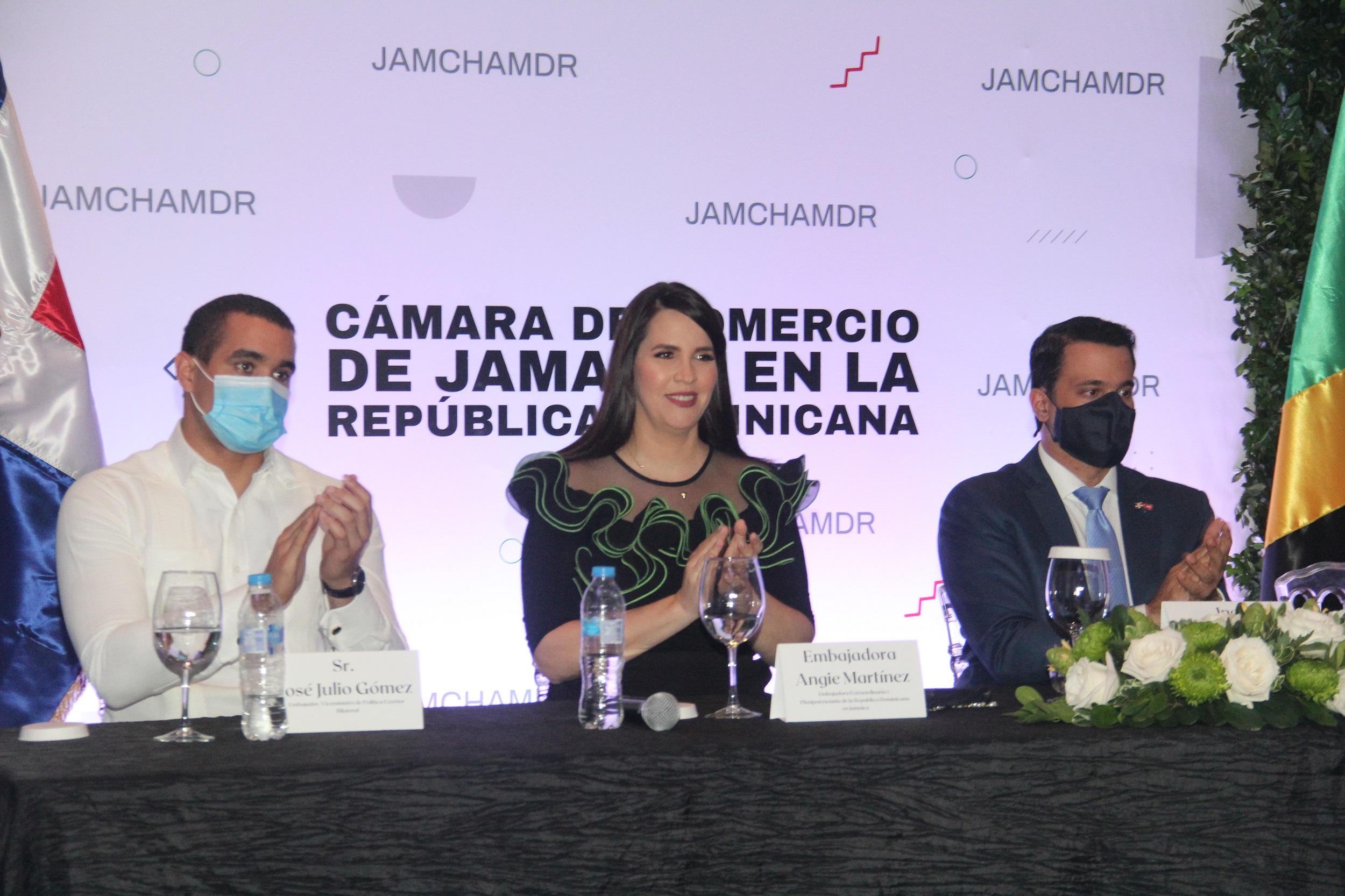 Ponen en marcha Cámara de Comercio de Jamaica en la República Dominicana